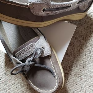 Sperry Topsider: Women's 9, gray, shimmery.
